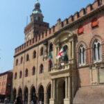 Pd tra renziani e M5s: a Roma, ma pure a Bologna…